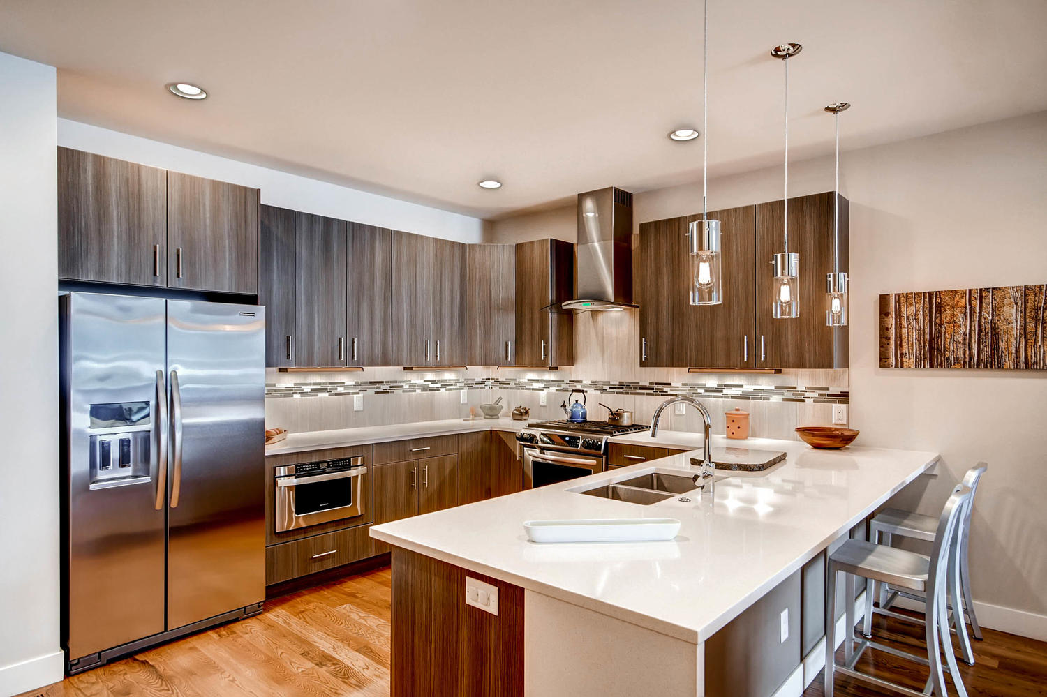 2530-w-argyle-pl-denver-co-large-007-18-kitchen-1500x1000-72dpi